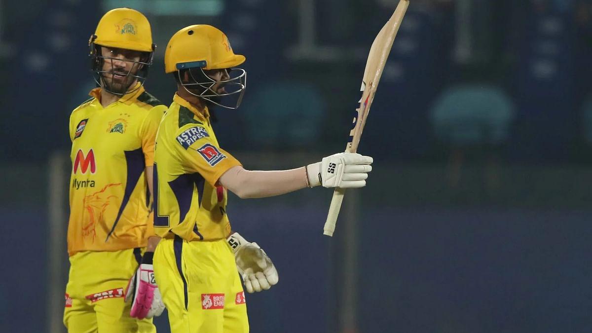 IPL-14: ऋतुराज गायकवाड और डु प्लेसिस की पारी से 7 विकेट से जीता चेन्नई सुपर किंग्स