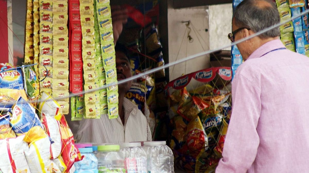 बिहार में सार्वजनिक वाहनों में पान, खैनी खाया तो भरना होगा जुर्माना
