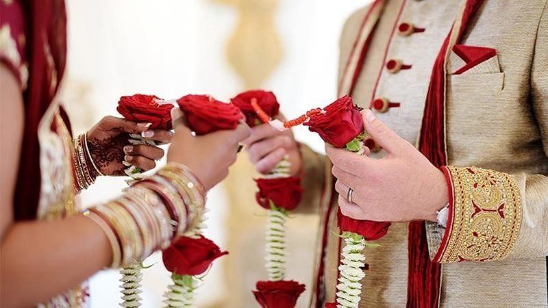 उत्तर प्रदेश: शादियों पर फिर पड़ा कोरोना का असर, सरकार ने जारी की शामिल होने वालों की संख्या