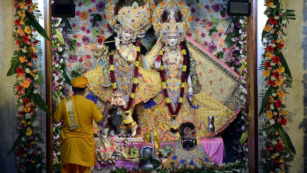 मथुरा: वृंदावन के बांके बिहारी मंदिर से भगवान की मूर्ति हुई गायब