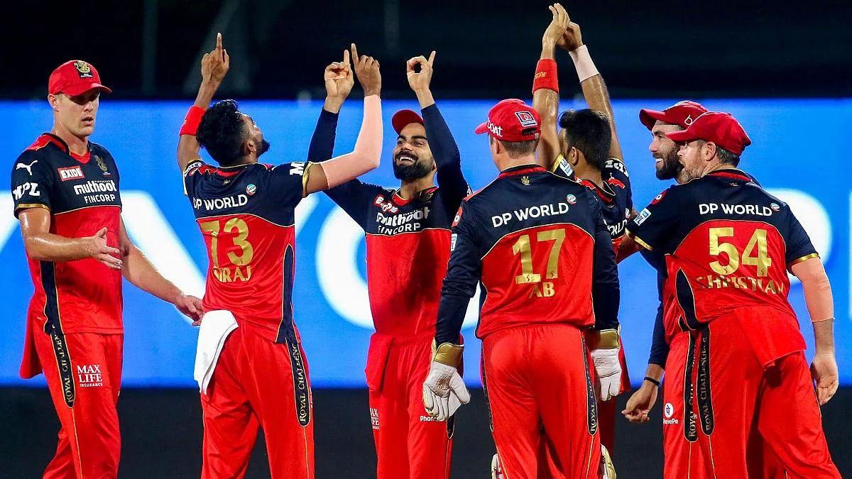 IPL14 : बेंगलोर ने कोलकाता को हराकर लगाई जीत की हैट्रिक