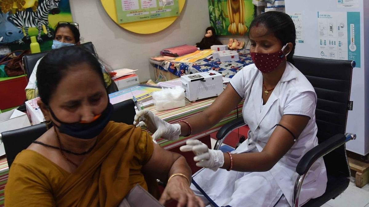 कोरोना से हाल बेहाल: भारत में दर्ज हुए 1,31,968 नए मामले और 780 मौतें