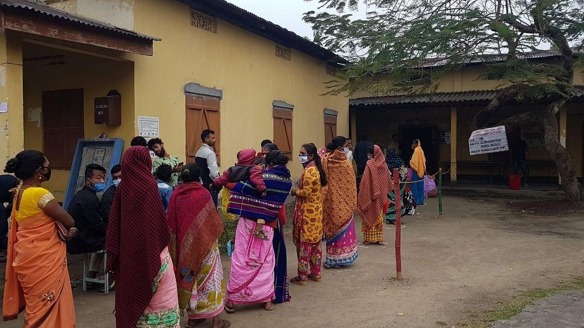 असम: 90 वैध मतदाता वाले बूथ में पड़े 181 वोट, 6 चुनाव अधिकारी निलंबित