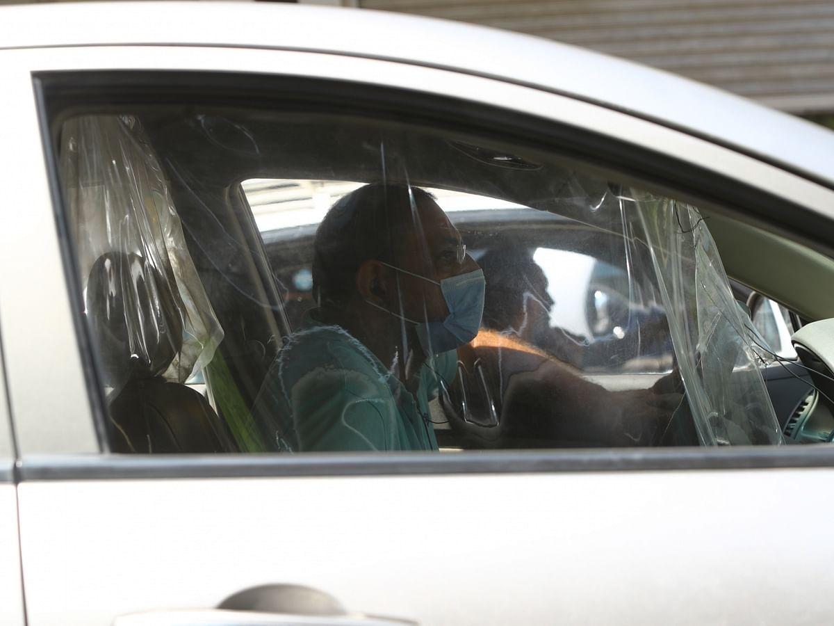 दिल्ली हाईकोर्ट ने दिया आदेश, गाड़ी में अकेले हों तब भी मास्क पहनना अनिवार्य