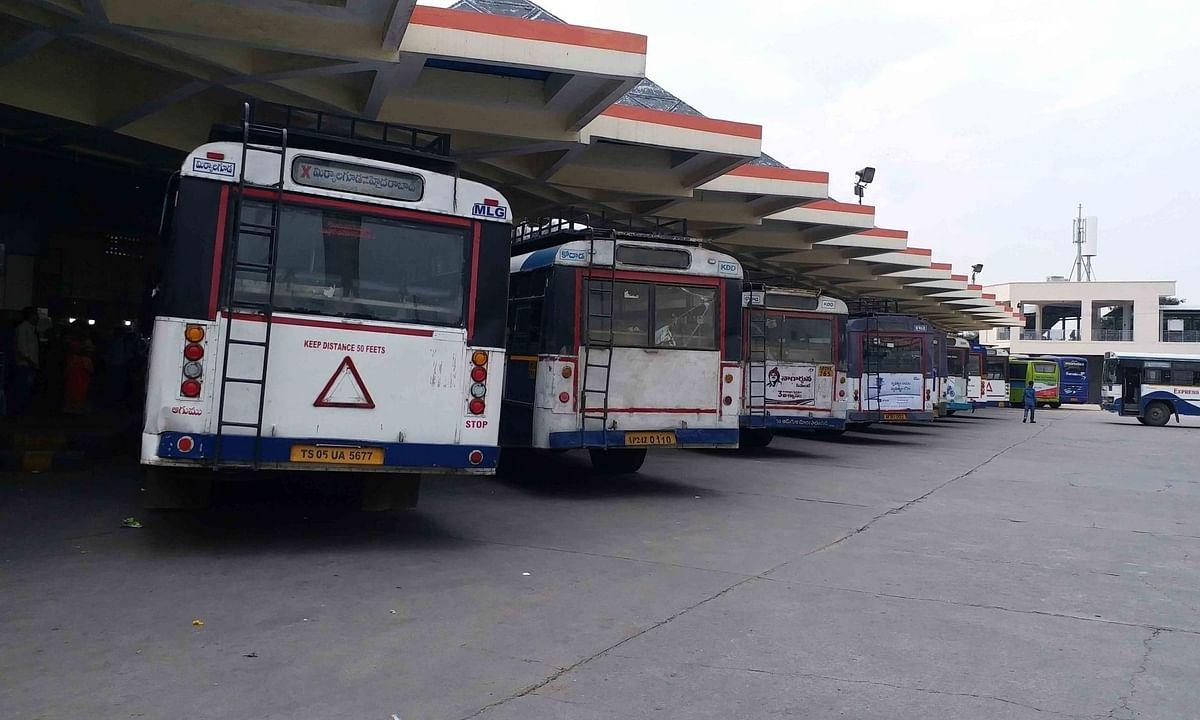 कोरोना संक्रमण के बढ़ने के कारण मध्य प्रदेश-छत्तीसगढ़ के बीच बस परिवहन सेवा बंद