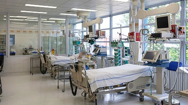 घंटों इंतजार के बाद मैक्स हॉस्पिटल्स को मिली ऑक्सीजन, और अधिक का इंतजार