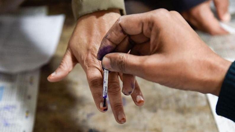 यूपी पंचायत चुनाव: कोरोना खतरे के बीच पहले चरण का मतदान संपन्न, कई जगह छिटपुट घटनाएं