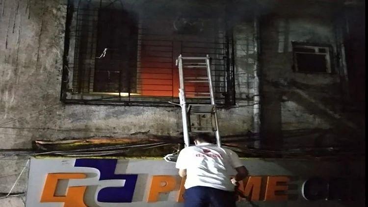 ठाणे: प्राइम क्रिटिकेयर हॉस्पिटल में लगी आग, शिफ्टिंग के दौरान चार मरीजों की मौत