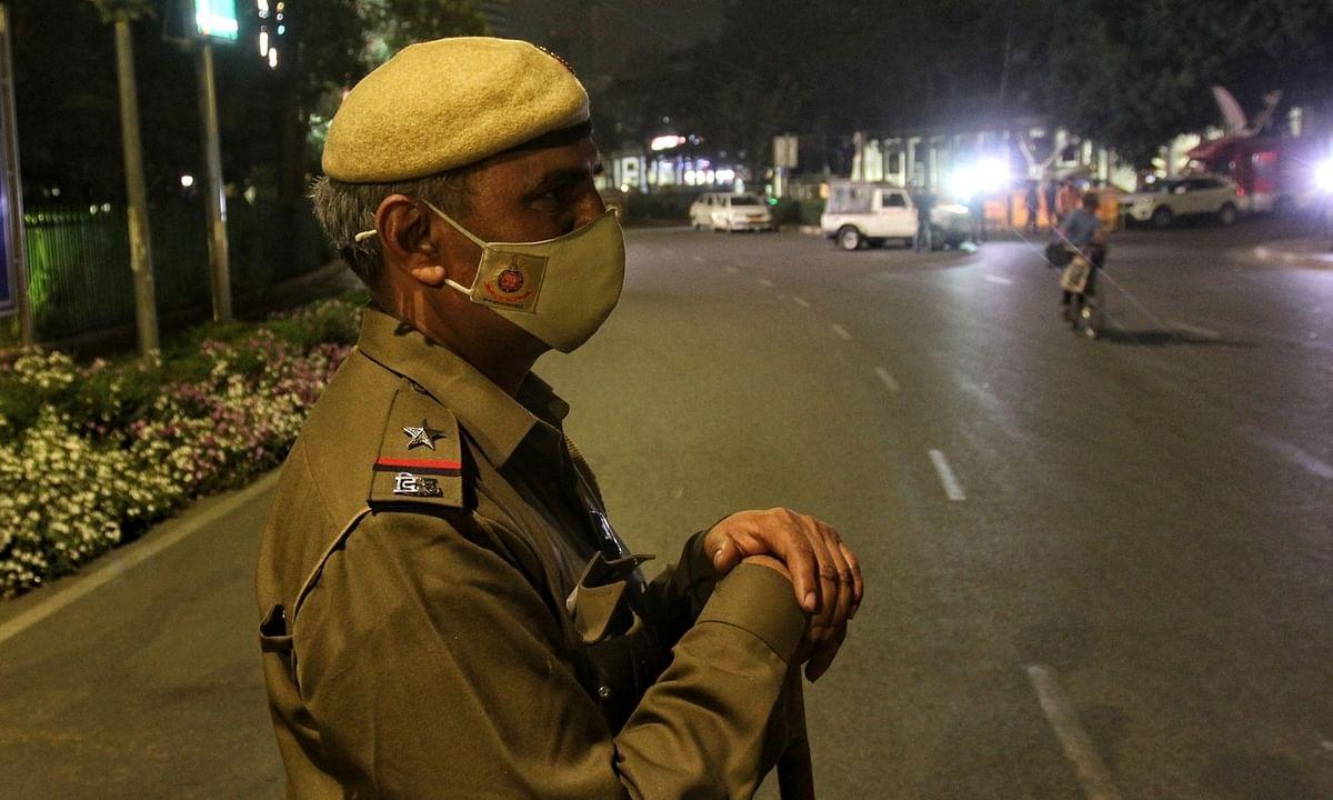 दिल्ली के बाद अब नोएडा-ग्रेटर नोएडा में भी नाइट कर्फ्यू