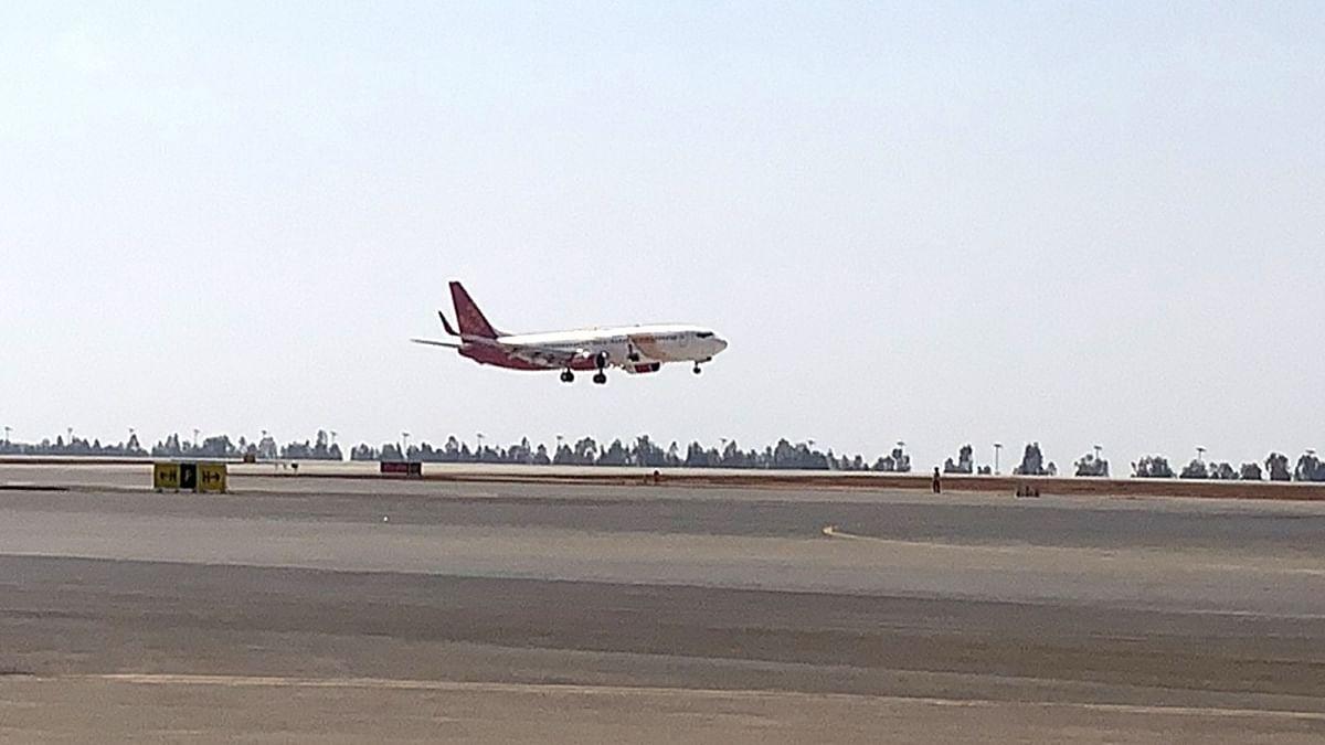 स्पाइसजेट ने हांगकांग से दिल्ली लाया जा रहा 1,000 ऑक्सीजन कंसंट्रेटर