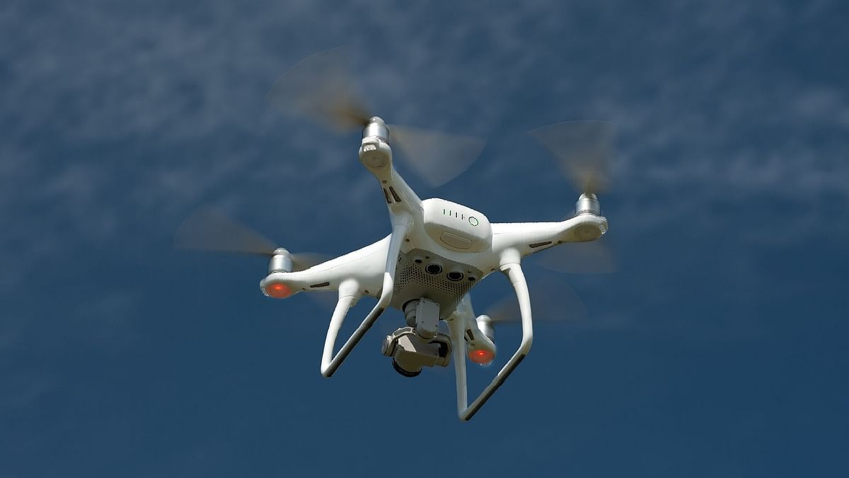 ड्रोन से हथियार गिराने की पाक की कोशिश को बीएसएफ ने किया नाकाम