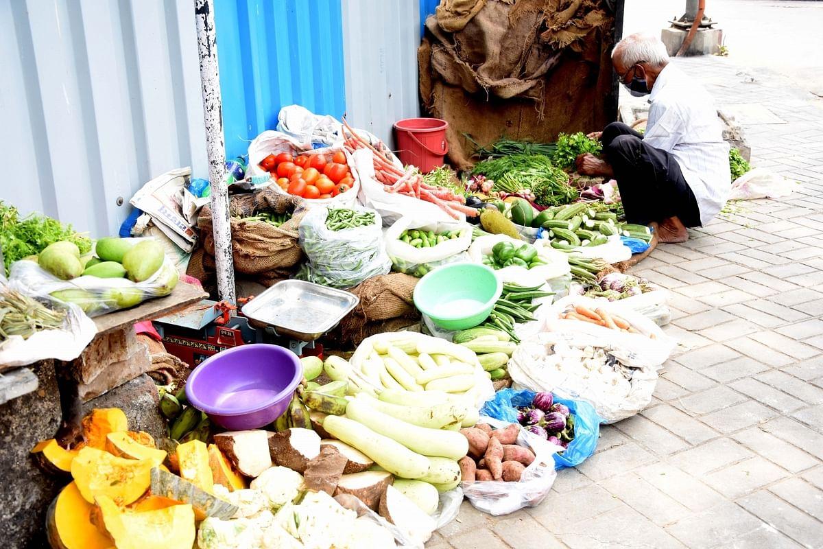 दिल्ली में वीकेंड कर्फ्यू के दौरान खुली रहेगी सब्जी मंडी, जारी किया जाएगा पास