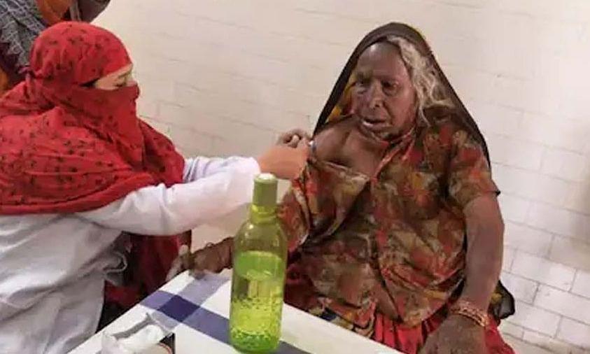 सागर जिले की 118 वर्षीय तुलसा बाई बनी कोरोना का टीका लगवाने वाली देश की सबसे बुजुर्ग महिला