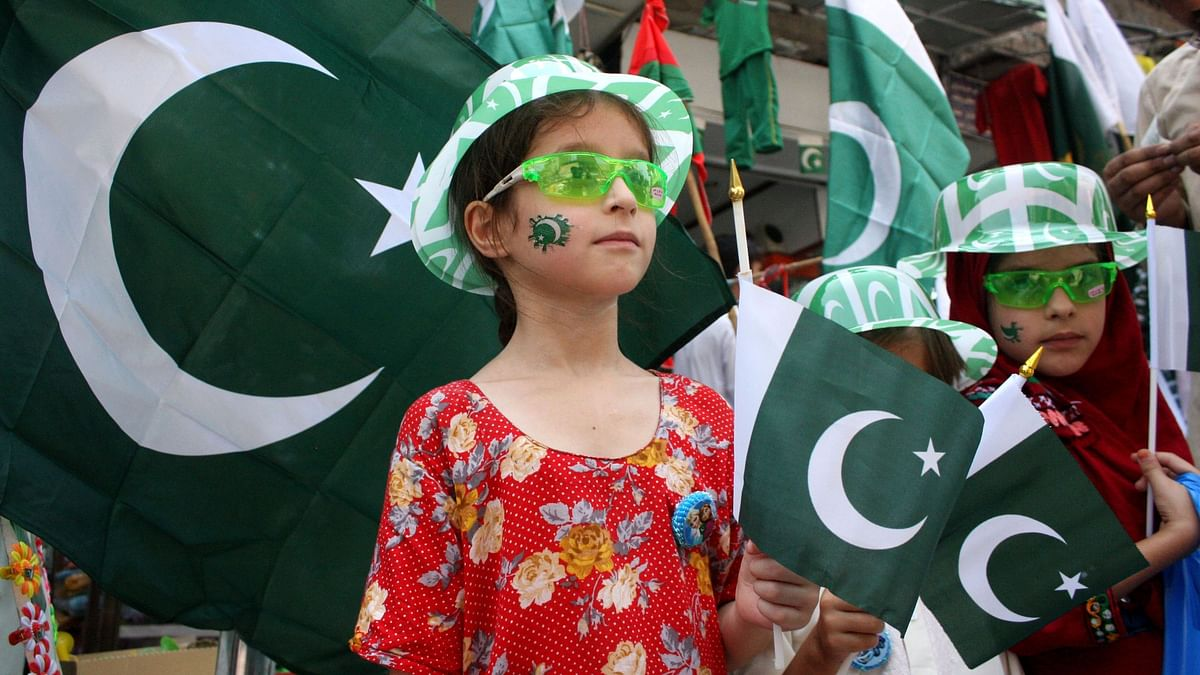 अप्रैल महीने में 3 हजार पाकिस्तानी बच्चे कोरोना का शिकार