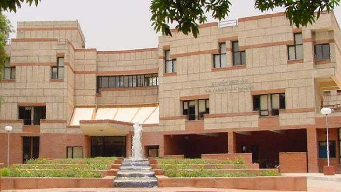 कोविड के समय आईआईटी कानपुर ने जरूरतमंद छात्रों के लिए फंड बनाया