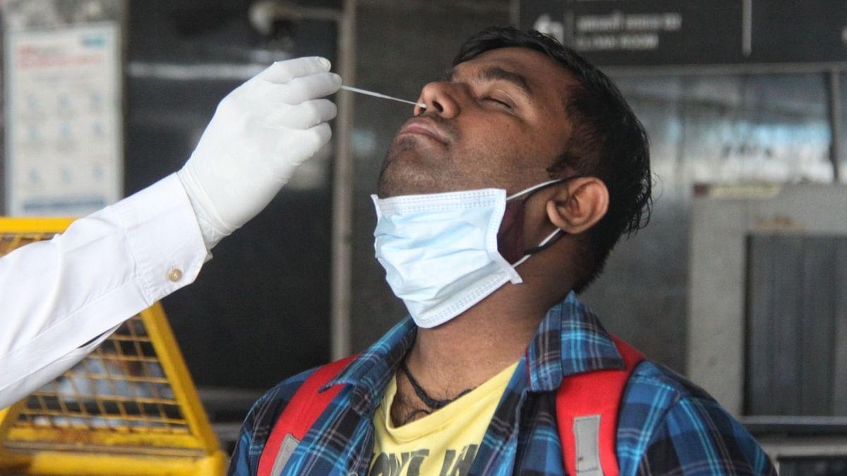 14 अप्रैल के बाद से भारत में सबसे कम 1.96 लाख कोविड मामले, 24 घंटे में 3,511 लोगों की मौत