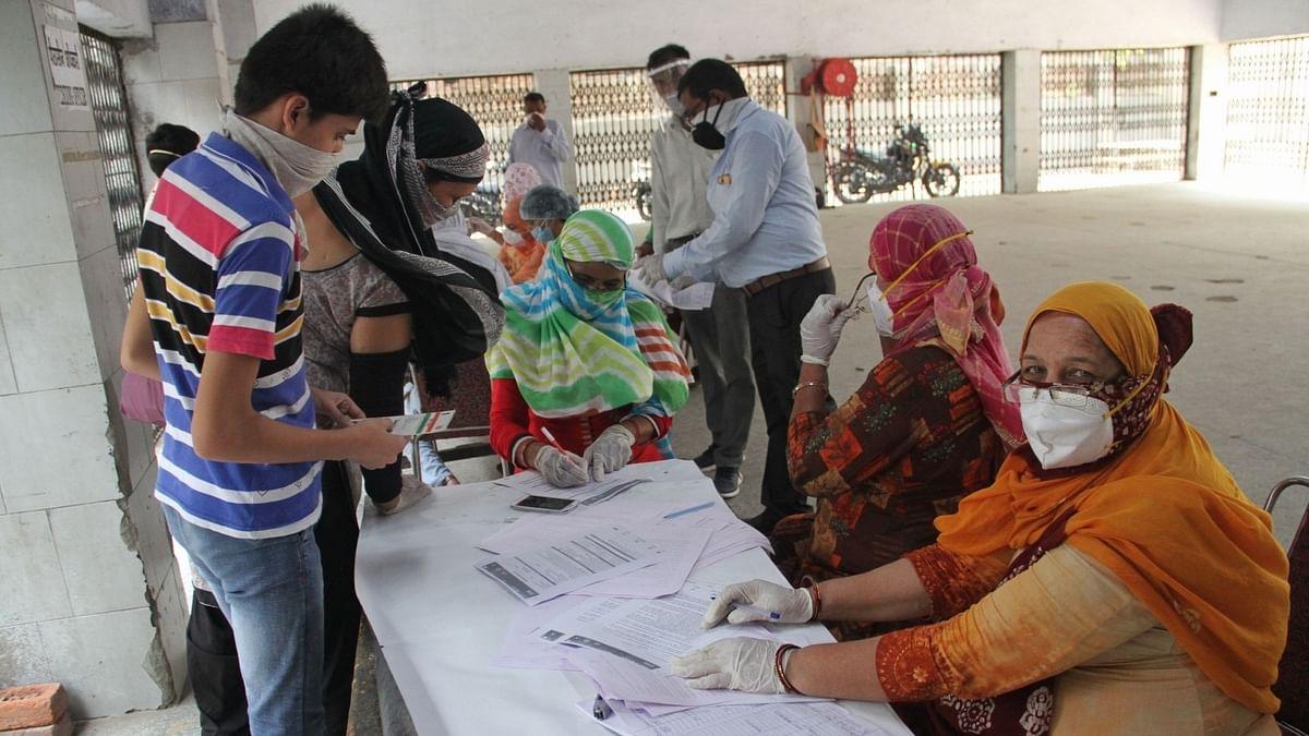 भारत में बीते 24 घंटे में कोरोना के 3.43 लाख नए मामले, 4 हजार लोगों की मौत