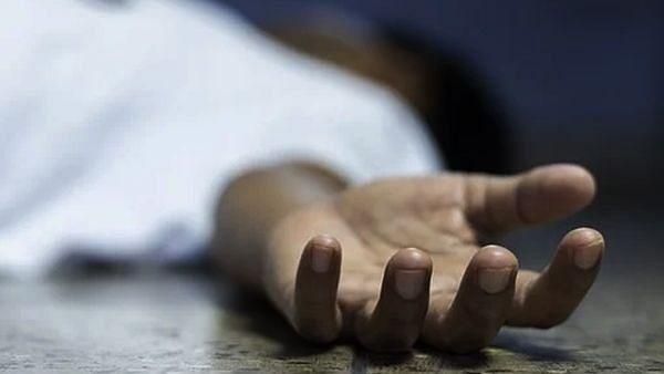 होम आइसोलेशन में कोरोना पॉजिटिव पिता-पुत्र की मौत, मां बेहोश मिली