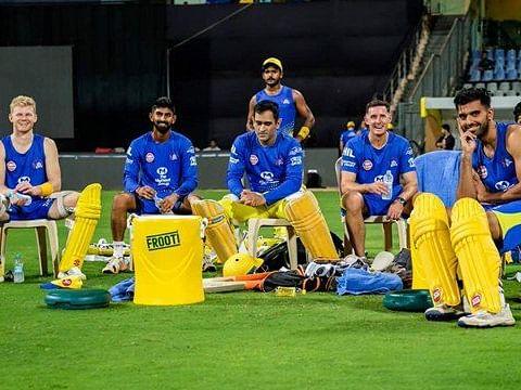 IPL-14: KKR के बाद अब चेन्नई सुपर किंग्स टीम के 3 सदस्य निकले कोरोना पॉजिटिव