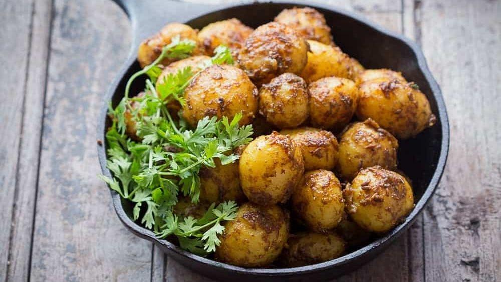 Recipe: Chatpate Masaledaar Aloo (चटपटे मसालेदार आलू)