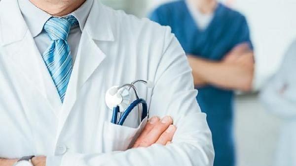 तिरुपुर के इस डॉक्टर ने जरूरतमंदों के लिए खोला 'ऑक्सीजन पंडाल'