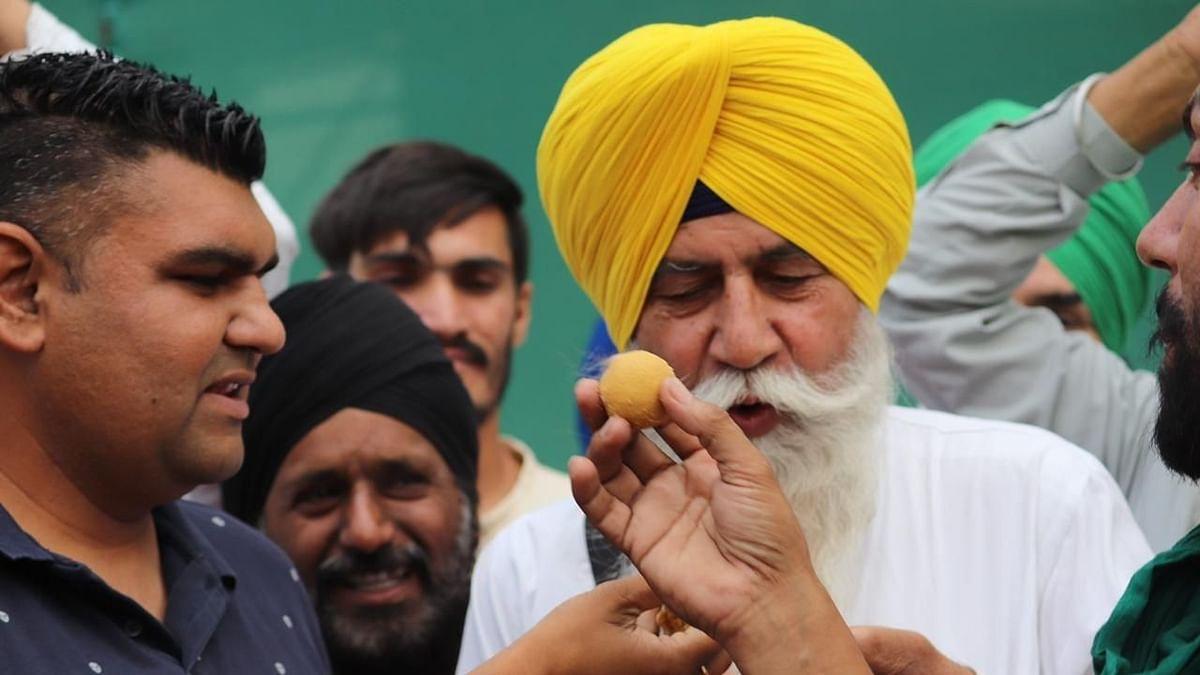 किसानों ने बॉर्डर पर मनाया जश्न, कहा, चुनाव परिणाम हमारी नैतिक जीत, भाजपा की राजनैतिक हार