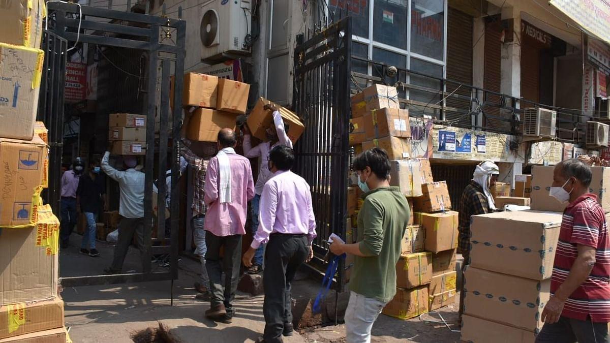 लखनऊ: दवाइयों की कमी नहीं है फिर भी शहर में हो रही है कालाबाजारी