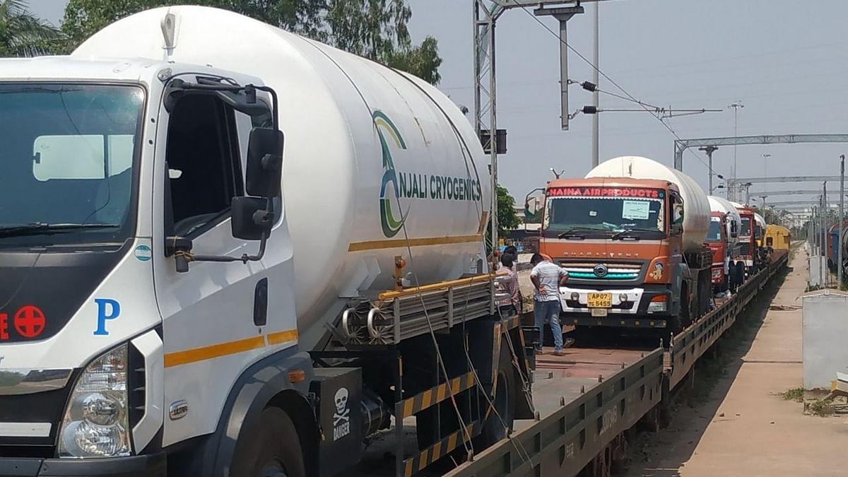 पहली ऑक्सीजन एक्सप्रेस ओडिशा से हैदराबाद पहुंची