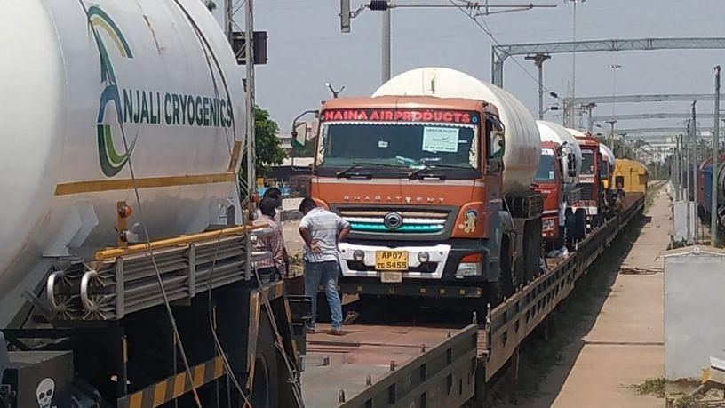 दिल्ली को 120 मीट्रिक टन मेडिकल ऑक्सीजन देगा रेलवे
