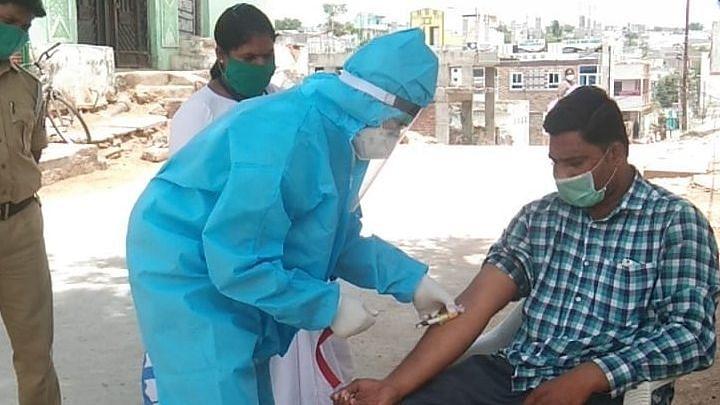तेजी से गिरे यूपी के मामले, 25 दिन में 75 फीसदी घटा संक्रमण