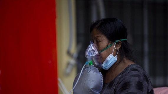 चीन ने नेपाल को दिए और ऑक्सीजन सिलेंडर