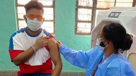 पंत ने ली कोविड-19 वैक्सीन की पहली खुराक