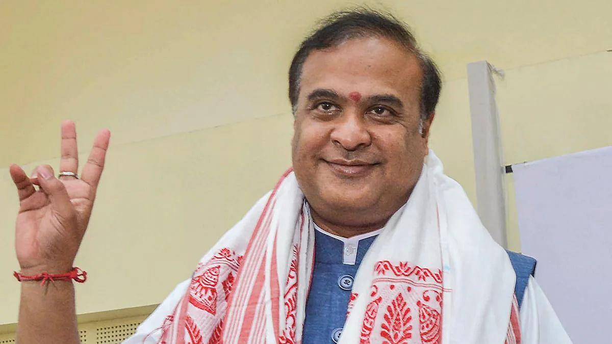 हिमंत बिस्वा सरमा ने असम के नए मुख्यमंत्री के तौर पर शपथ ली