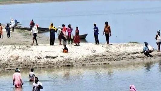 बाराबंकी में वैक्स ड्राइव धराशायी, हिचकिचाहट, अफवाह के चलते ग्रामीण नदी में कूदे