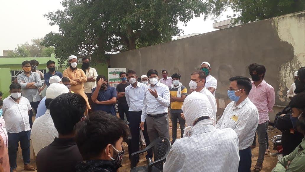राजस्थान में कोविड पीड़िता के शव को दफनाने के बाद 21 लोगों की मौत