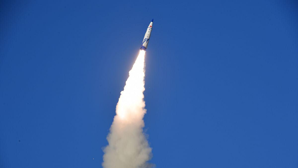 'आउट ऑफ कंट्रोल' चीनी रॉकेट भारतीय महासागर में गिरा