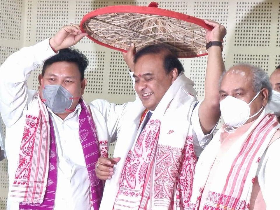 हिमंत बिस्वा सरमा आज असम के 15वें मुख्यमंत्री के रूप में संभालेंगे कार्यभार
