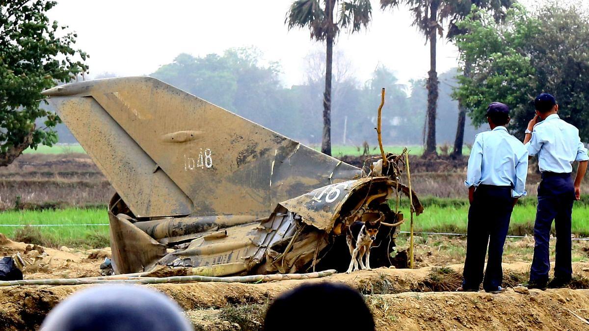 म्यांमार में सेना का विमान हुआ दुर्घटनाग्रस्त