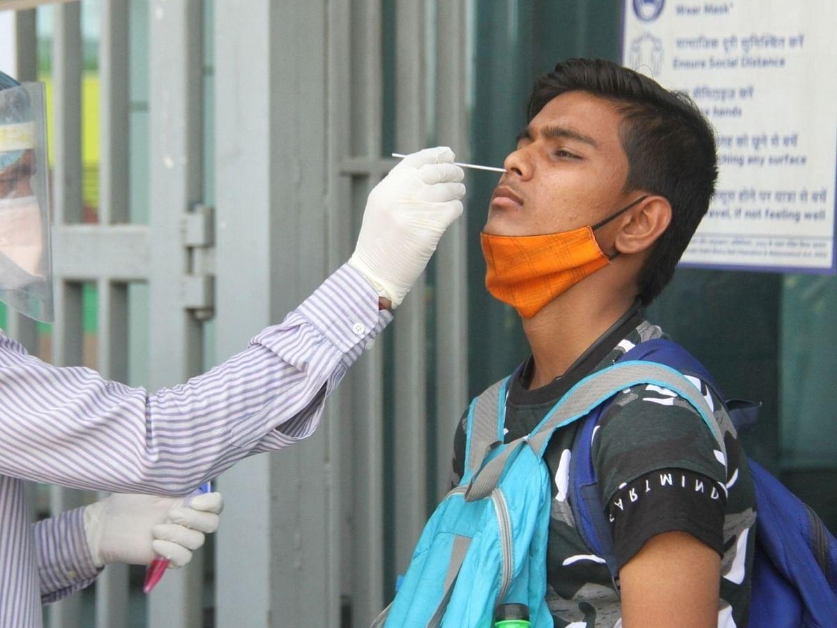 भारत में 1 लाख से अधिक कोरोना के मामले, 5 अप्रैल के बाद सबसे कम, 2427 लोगों की मौत