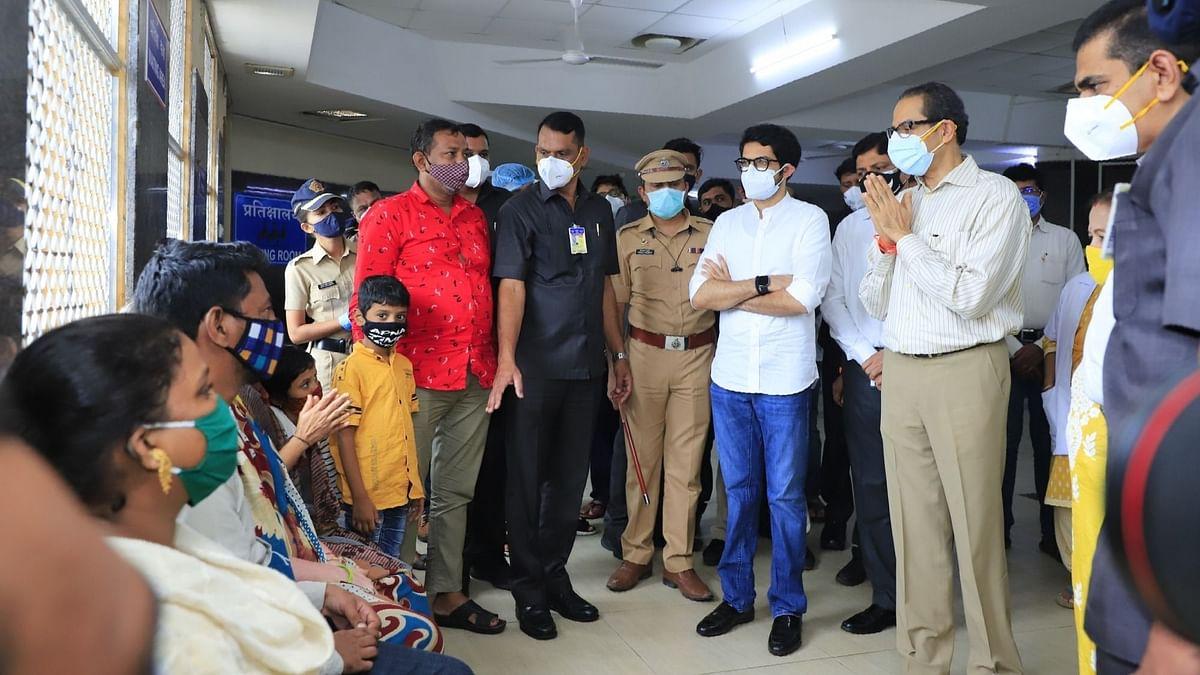 मुंबई हादसा: घायलों से मिले मुख्यमंत्री, मृतकों के परिजनों को 5 लाख रुपये की मदद