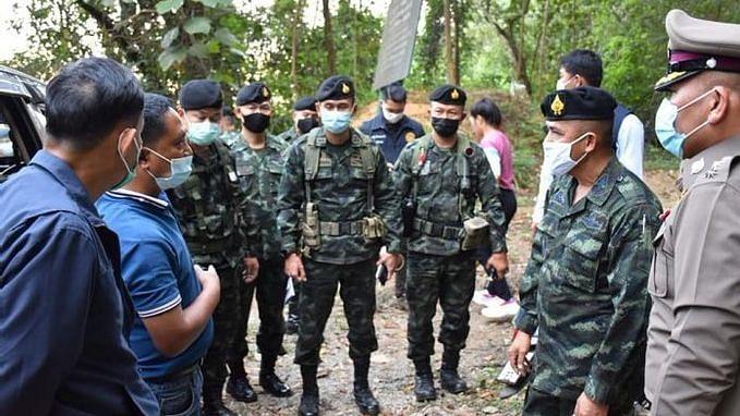 सेना की मदद से थाईलैंड में रात का कर्फ्यू लागू