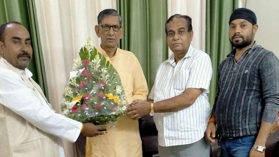 लखनऊ: LJP के प्रदेश अध्यक्ष मा० मणिशंकर पांडये जी से पार्टी के मुख्य प्रदेश प्रवक्ता श्री बनर्जी  ने  की शिष्टाचार भेंट