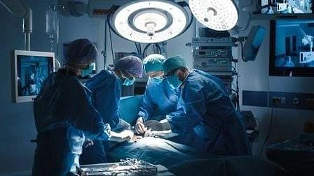 डॉक्टरों द्वारा सर्जरी के दौरान लापरवाही से यूपी की महिला की हालत नाजुक