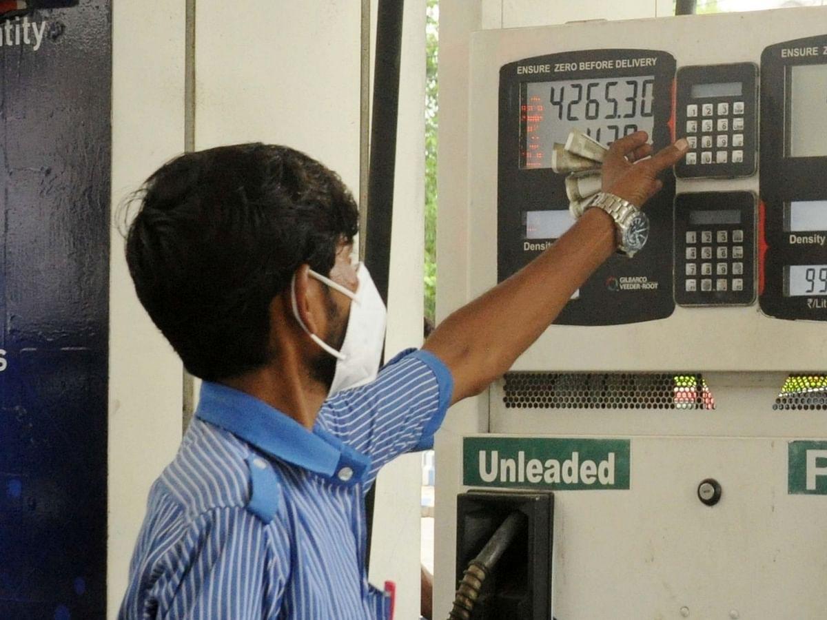 पेट्रोल की कीमत और बढ़ी, डीजल की दर रही धीमी