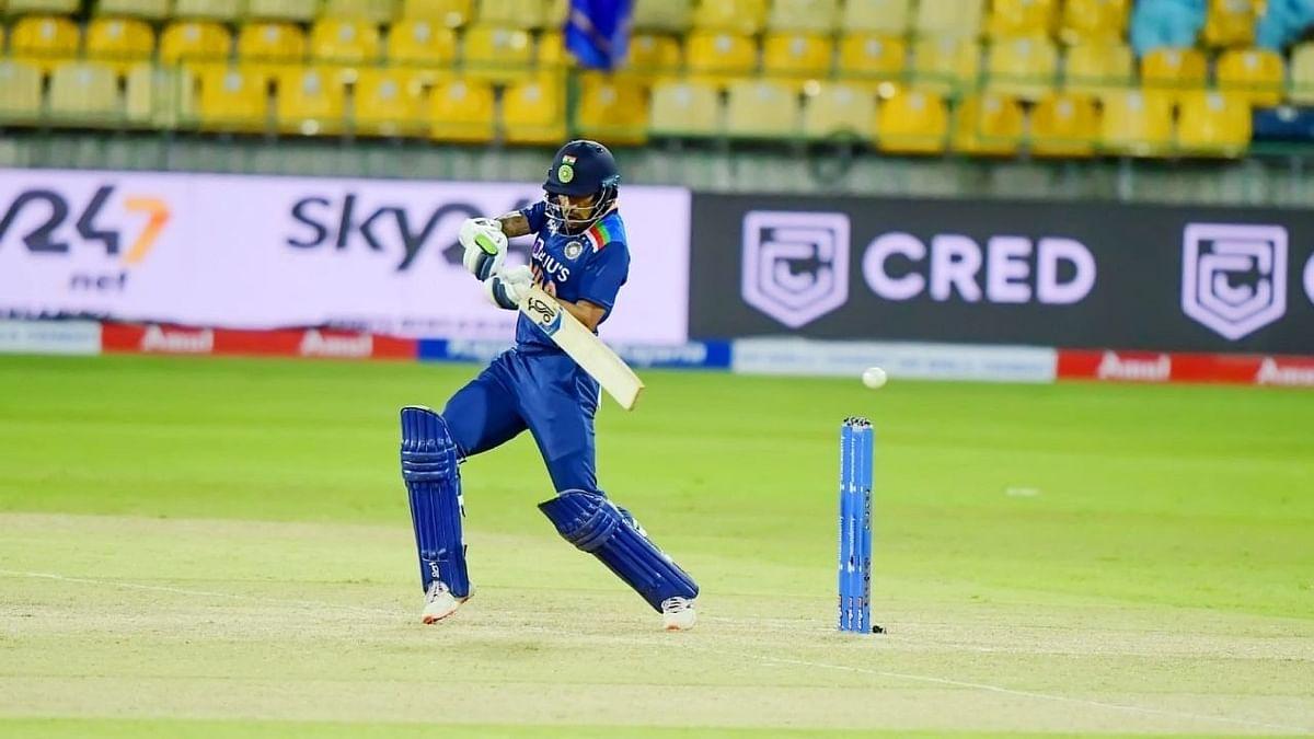 IND vs SL: कप्तान शिखर धवन की पारी से जीता भारत, श्रीलंका को सात विकेट से दी मात