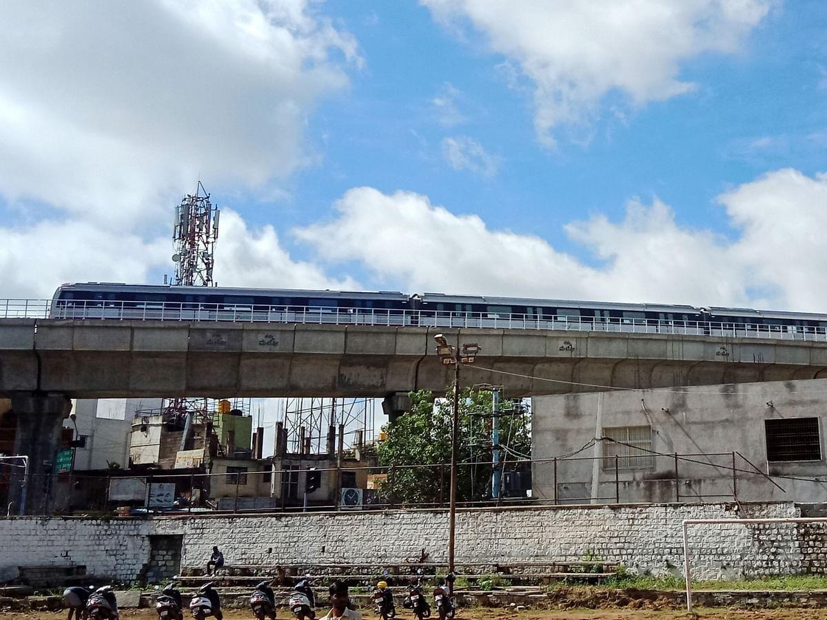 कोरोना के नियमों में ढील, बेंगलुरू मेट्रो सेवाओं को रात 9 बजे तक बढ़ाया गया