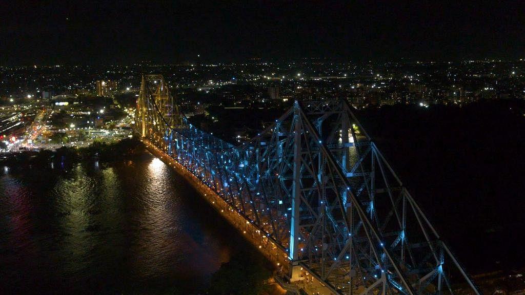 ओलंपिक के रंग में चमका हावड़ा ब्रिज