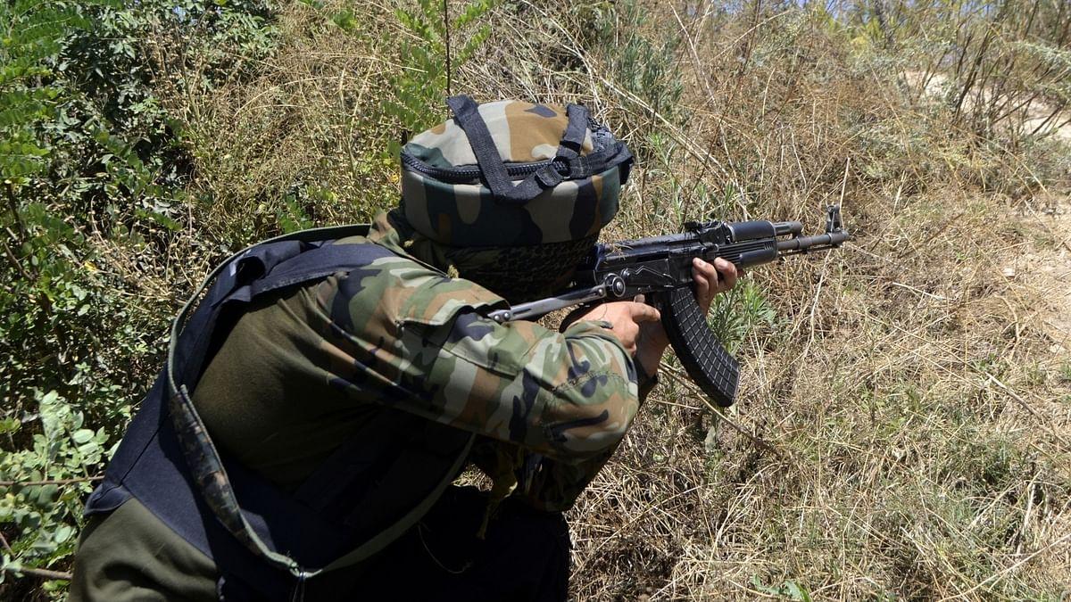 पुलवामा में मारे गए 3 आतंकियों में लश्कर का टॉप कमांडर