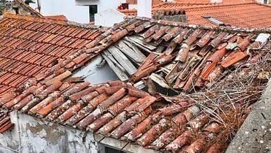 यूपी के लखीमपुर में छत गिरने से नाबालिग की मौत