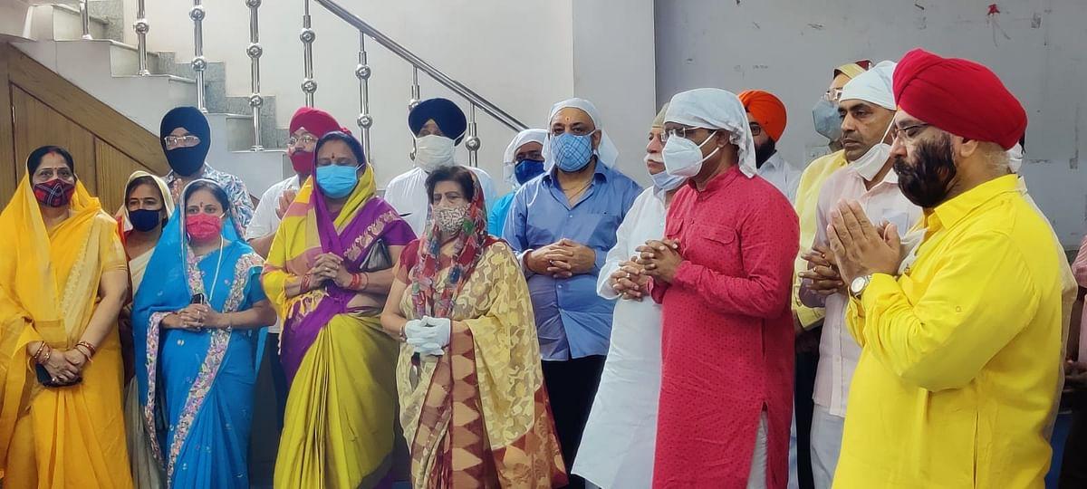उत्तर प्रदेश : केंद्रीय रक्षा मंत्री राजनाथ सिंह जी के जन्मदिन पर ऐतिहासिक गुरुद्वारा नाका हिंडोला में अरदास समागम